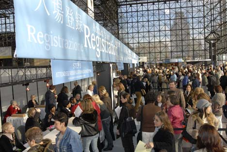 Registration at NYIGF. Image via Gifts & Decorative Accessories.