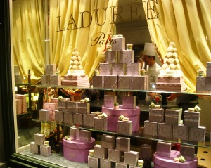 NY's Laduree shop window. Image via Ritournelle.
